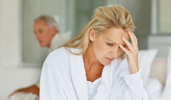 Phụ nữ tuổi mãn kinh có nguy cơ bị mất ngủ liên tục cao