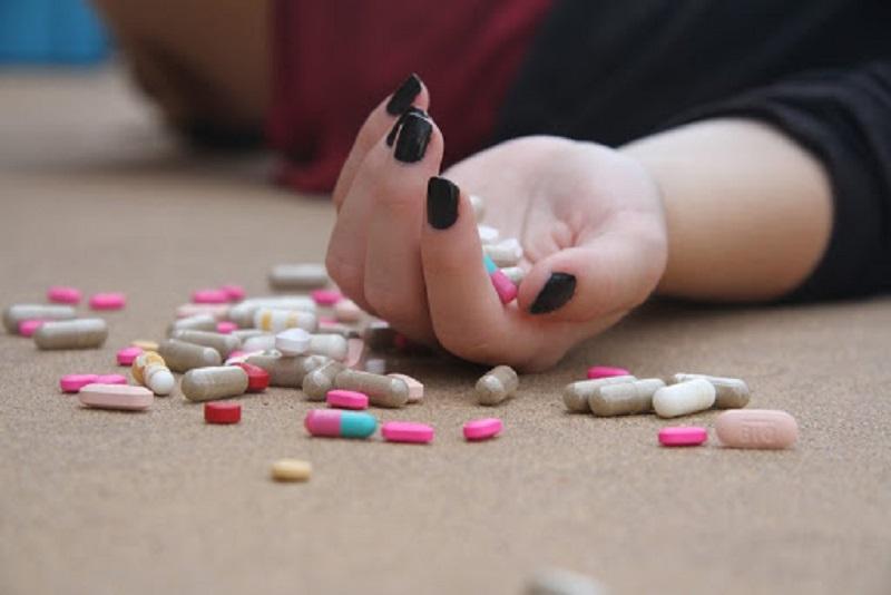 Uống thuốc ngủ quá liều phải làm sao